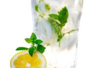Ingvera kokteilis: kā pagatavot veselīgu enerģisko dzērienu