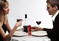 Kādēļ vīrietis, kurš izmaksājis vakariņas, cer uz ko vairāk? Sievietes viedoklis