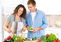 Romantiskas maltītes sastāvdaļas: iepazīstam ēdienus, kas palīdz intīmajā dzīvē