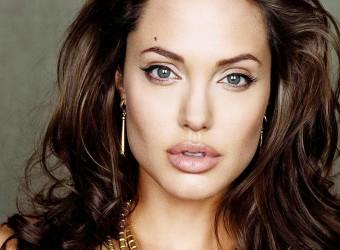 Angelina-Jolie-2