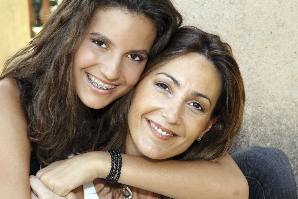 cover mom n daughter