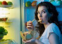 """Ieskaties! Zinātnieki izskaidroja, kādēļ cilvēkus pa vakariem mēdz """"nomākt"""" izsalkums"""
