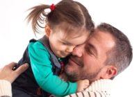 VIDEO: Tēti, kas izglābj neparedzētās situācijās. Veikli un aizkustinoši!
