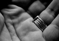 Uzzini vairāk par hiromantiju – savu dzīves līniju plaukstā
