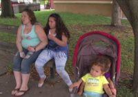 Policists aizturēja ģimeni zādzībā, bet, kad viņš paskatījās uz viņu pēdām, viņš izdarīja ko negaidītu!