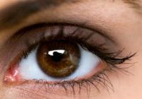 Kādēļ ir tik svarīgi lūkoties kāda acīs?