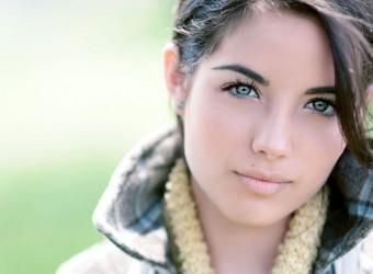 beautiful_women_blurred_