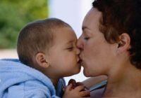 Negaidīts atklājums par bērnu skūpstīšanu! Tiešām???