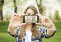 """Īstais iemesls, kādēļ mēs uzņemam """"selfijus"""" jeb pašiņus"""