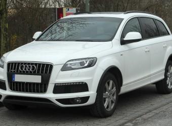 Audi_Q7_(Facelift)_front_20110115