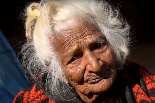 112-YEAR-OLD-WOMAN-CREDITS-HER-LONG-LIFE-TO-CHAIN-SMOKING-30-CIGARETTE-A-DAY-FOR-95-YEARS1