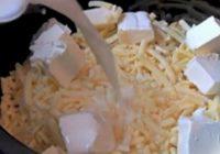Labākie makaroni ar sieru kādus būsi ēdis – šai receptei ir mazs noslēpums