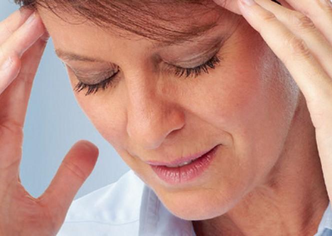 sāpes galvas augšdaļā