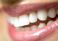 Šīs divas lietas tavus zobus neilgā laikā padarīs daudz baltākus!