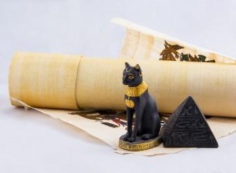 piramida-talismans-piesaistit-naudu-milestibu