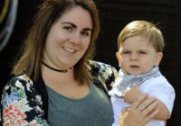 Māte brīdina par briesmām, kuras var sagādāt mazuļa nobučošana. Viņas puisītis saķēra šo nejauko kaiti!