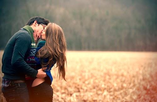 couple-kissing-love
