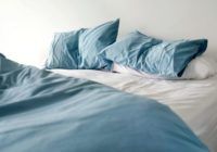 Gulēt lētā gultas veļā ir neveselīgi! Uzzini kāpēc!