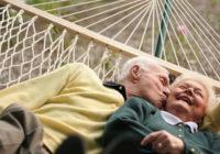 Šogad pensijā var doties no 63 gadu vecuma. Kādos gadījumos un no cik gadiem var pensionēties agrāk?