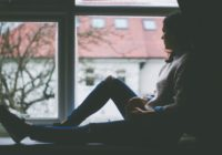 4 frāzes, kurās jums nekad nevajadzētu teikt personai ar depresiju!