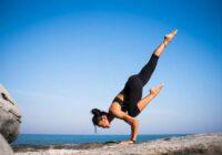 Joga ir daudz vairāk nekā tikai izstaipīšanās: tā ir holistiska pieeja kvalitatīvai dzīvei