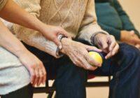 Mīliet un cieniet savus vecākus vecumdienās