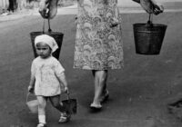 Bērnu darbs mūsu bērnībā.Mūs pieradināja strādāt, vai varbūt mūs ekspluatēja?