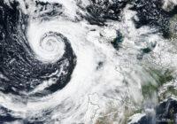 Gaidāms viens no lielākajiem cikloniem vēsturē; vētra skars arī Latviju