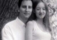 Laulātais pāris izšķīrās pēc divu gadu laulības sievas neauglības dēļ. Viņi atkal satikās pēc 14 gadiem